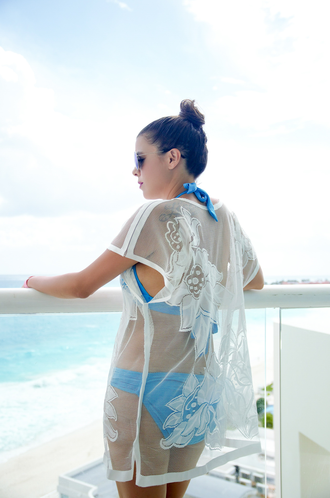 white-lace-coverup-rosewholesale-pic-6